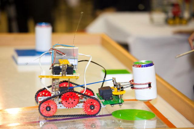 آموزش رباتیک کودکان | آموزش رباتیک در آموزشگاه آریانانصر در تهران و کرج